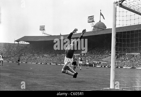 1960 FA Cup Final Blackburn Rovers v Wolverhampton Wanderers at Wembley 7/5/60 Harry Leyland makes a save for Rovers - Stock Photo