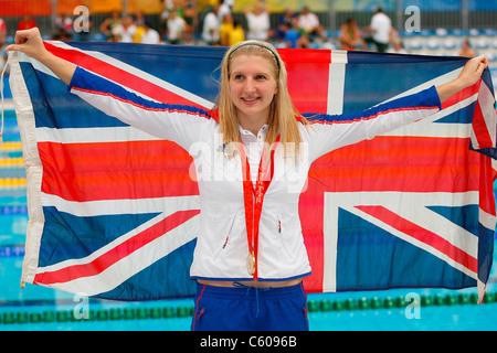 REBECCA ADLINGTON WITH FLAG GREAT BRITAIN OLYMPIC STADIUM BEIJING CHINA 16 August 2008 - Stock Photo