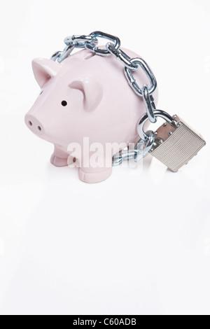 USA, Illinois, Metamora, Padlocked piggy bank