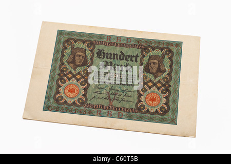 Detail photo of an old German bill of November 1st 1920 about the amount of one hundred reichsmarks - Stock Photo