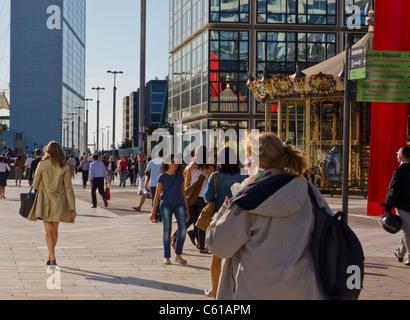 Paris, France, La Défense Business Center, Views, Street Scenes, People Walking on Parvis - Stock Photo
