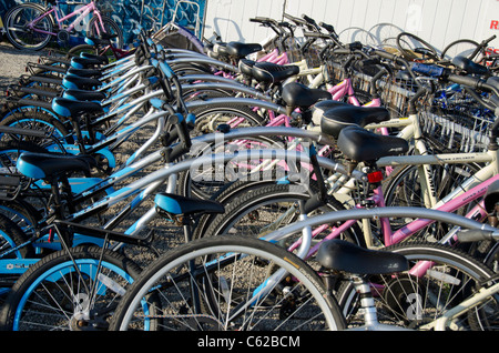 Rhode Island, Block Island (aka New Shoreham). Island rental bikes. - Stock Photo