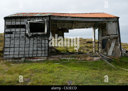An old shieling on the peatbeds near the Pentland Road in the north of the Isle of Lewis, Outer Hebrides - Stock Photo