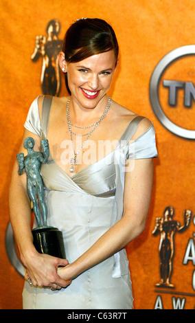 Jennifer Garner in the press room for 11th Annual Screen Actors Guild (SAG) Awards, Shrine Auditorium, Los Angeles, - Stock Photo