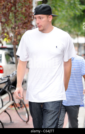 Professional basketball player David Lee, leaves Bar Pitti out and about for CELEBRITY CANDIDS - TUESDAY, , New - Stock Photo
