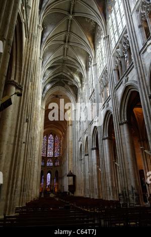Saint-Gatien cathedral, the nave and choir, city : Tours (Indre et Loire, France). - Stock Photo