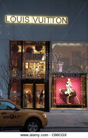 Louis Vuitton Store On 5th Avenue In Uptown Manhattan New