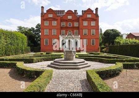 London, Kew - Kew Palace seen from the Queen's Garden - Stock Photo