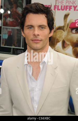 James Marsden at arrivals for HOP Premiere, Universal CityWalk, Los Angeles, CA March 27, 2011. Photo By: Dee Cercone/Everett - Stock Photo