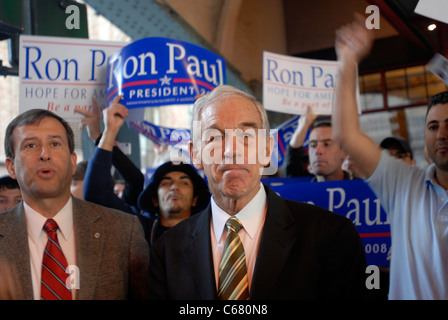 Republican presidential candidate Ron Paul greets supporters outside Grand Central Terminal - Stock Photo
