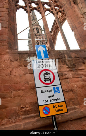 Road signs in Coventry showing a pedestrian zone ahead. - Stock Photo