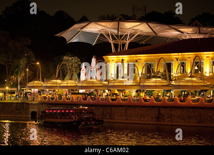 Restaurants and cruise boats, at night, Clarke Quay, Singapore, Asia - Stock Photo