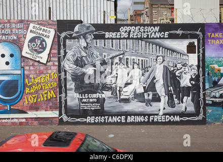 Resistance brings freedom poster in Falls Road Belfast - Stock Photo