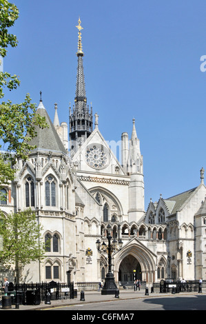 Royal Courts of Justice also known as Law Courts is courthouse building in City of London also the High Court and - Stock Photo