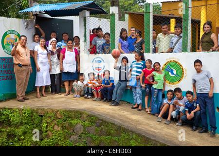 USAID development youth project , Por Mi Barrio, against gangs, San Salvador, El Salvador - Stock Photo