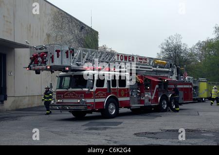 E-ONE 105 Tower Ladder Wayne Fire Department
