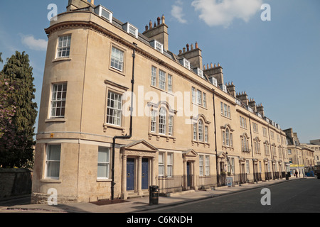 A fully restored Georgian terrace of apartments and studio flats on St James's Parade, Bath, Somerset, UK. - Stock Photo