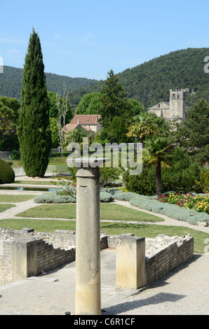 Roman Ruins, Cathedral & Hanging Gardens Vaison-la-Romaine Vaucluse, Provence, France - Stock Photo