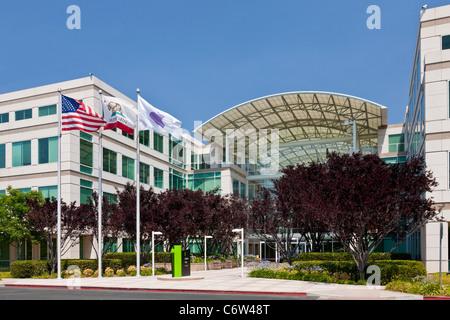 Apple Incorporated's corporate headquarters at 1-6 Infinite Loop, Cupertino, California, USA. JMH5187