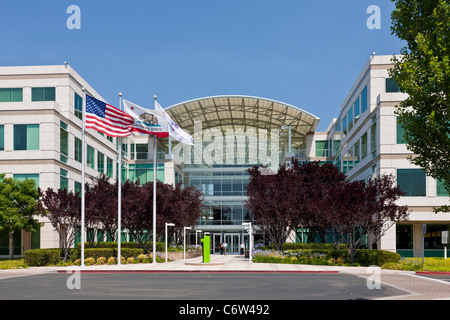 Apple Incorporated's corporate headquarters at 1-6 Infinite Loop, Cupertino, California, USA. JMH5188