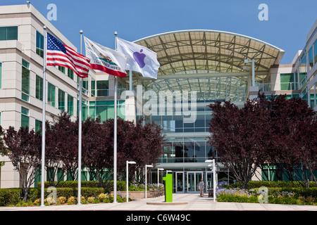 Apple Incorporated's corporate headquarters at 1-6 Infinite Loop, Cupertino, California, USA. JMH5189