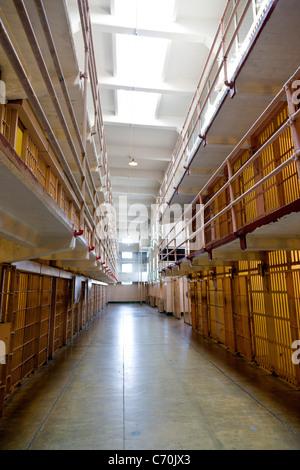 Prison cells in the main cellhouse at Alcatraz Prison, Alcatraz Island, San Francisco Bay, California, USA. JMH5241 - Stock Photo