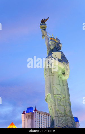 United States of America, Nevada, Las Vegas, the Statue of Liberty outside the famous New York New York Hotel - Stock Photo