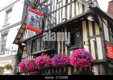 Hastings UK. Ye Olde PumpHouse Pub in George Street, Hastings Old Town, East Sussex, England, UK, GB - Stock Photo