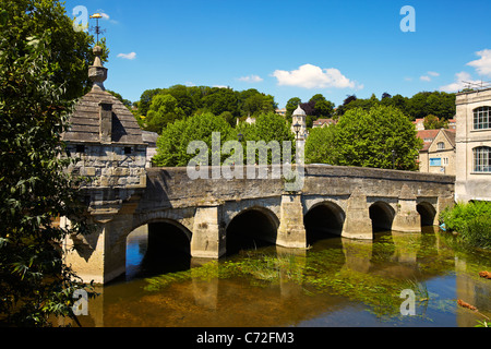Town Bridge over the river Avon, Bradford on Avon, Wiltshire, England, UK - Stock Photo
