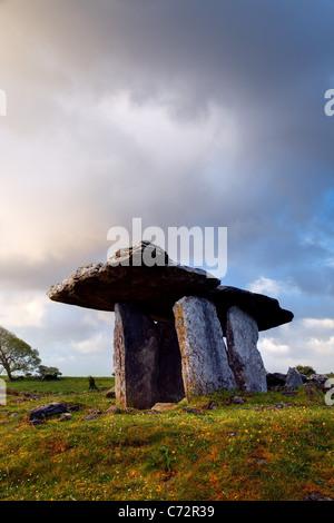 Poulnabrone dolmen, The Burren, County Clare, Republic of Ireland - Stock Photo