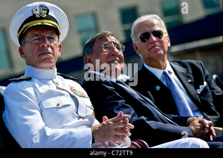 U.S. Navy Adm. Mike Mullen, chairman of the Joint Chiefs of Staff, Defense Secretary Leon E. Panetta and Vice President - Stock Photo