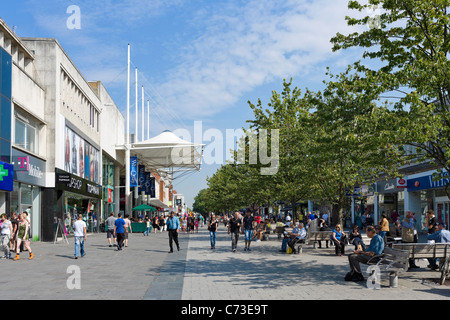 Shops in the main shopping area, Above Bar Street on the QEII Mile, Southampton, Hampshire, England, UK - Stock Photo
