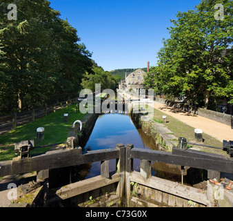 Lock gates on the Rochdale Canal, Hebden Bridge, Calder Valley, West Yorkshire, England, United Kingdom - Stock Photo