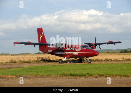 N808PC, a De Havilland DHC-6 100 Twin Otter of 'Skydive Chatteris', on the airfield at Langar, Nottinghamshire, - Stock Photo