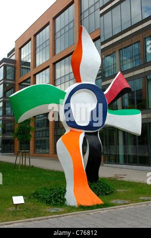 Sculpture La grande fleur qui marche, Financial District, Kirchberg-Plateau, Luxemburg - Stock Photo
