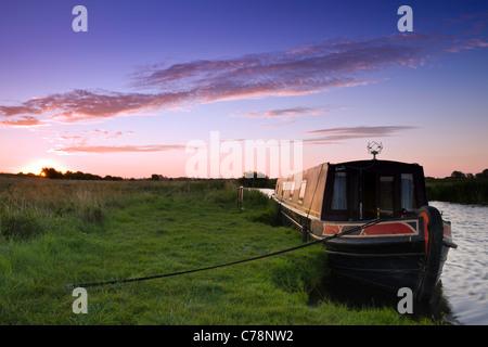 Narrowboat at dawn - Stock Photo