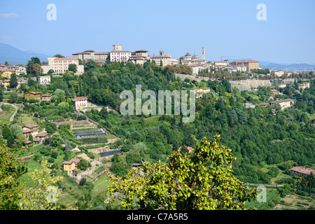 Citta Alta, Bergamo, Lombardy, Italy, a town on top of a hill. - Stock Photo