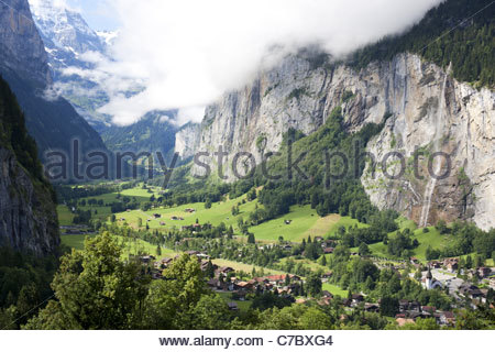 LAUTERBRUNNEN VALLEY Narrow valley carved by a huge glacier in the last ice age. STAUBBACH FALL is 300-m high. Canton - Stock Photo