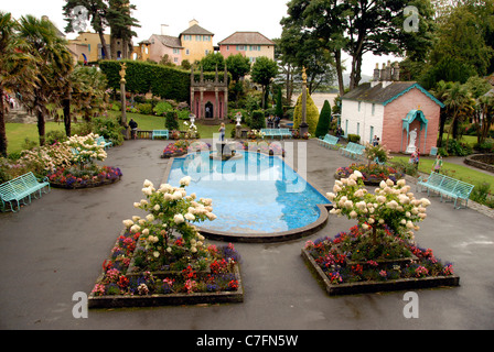 Portmeirion village in north Wales created by Sir Clough Williams - Ellis in the style of a traditional Italian - Stock Photo