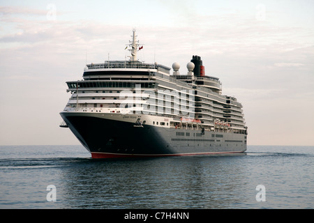 CUNARD QUEEN VICTORIA CRUISE LINER YALTA CRIMEA & UKRAINE 03 September 2011 - Stock Photo