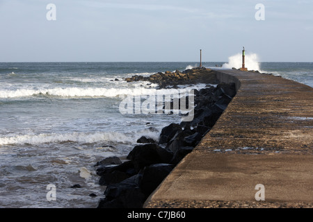north atlantic waves breaking on castlerock barmouth county derry londonderry northern ireland - Stock Photo