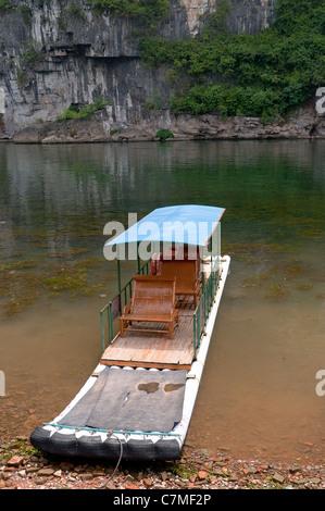 Bamboo raft in Li River, Guilin - Yangshou China - Stock Photo