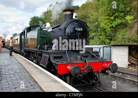 GWR Large Prairie tank 2-6-2 No 4160 Steam Locomotive at Bewdley Station in Worcestershire on the Severn Valley - Stock Photo