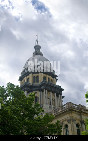 state capitol building in springfield illiinois - Stock Photo