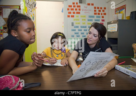 After-School Program at Wesley House Community Center - Stock Photo