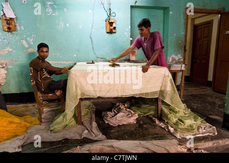 Bangladesh, Rajshashi, silk textile factory - Stock Photo