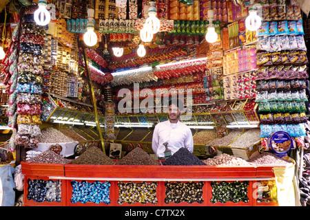 Yemen, Sanaa, greengrocer in souk - Stock Photo
