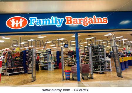 Family Bargains shop, Bristol, England, UK. - Stock Photo