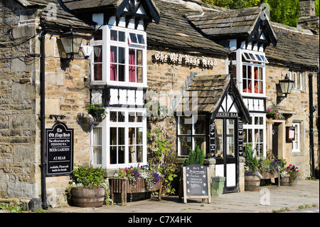 The Old Nags' Head pub in Edale at the start of the Pennine Way  walk, Peak District National Park, Derbyshire, England, UK