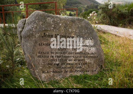 Ireland, Co Wicklow, Glenmalure, memoral stone to John Mernagh Insurgent leader of 1798 rebellion - Stock Photo